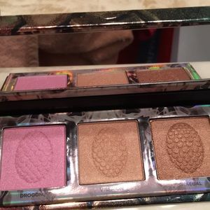 Urban Decay Game of Thrones Highlighter Palette